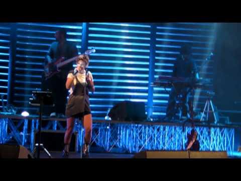 Emma Marrone - Tango della gelosia - AMPC Tour Caltanissetta 3 Luglio 2011 - Stadio Marco Tomaselli