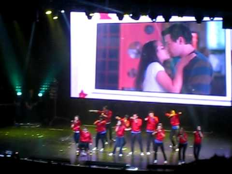 My Life Would Suck Without You Glee ! Tour Gibson Amphitheatre 5222010