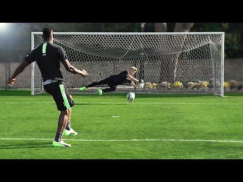 FOOTBALL CHALLENGE vs MARIO BALOTELLI