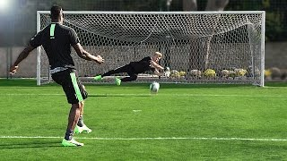 freekickerz vs Mario Balotelli - Football Challenge