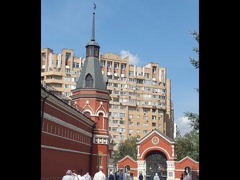 Идем в Покровский женский монастырь. К Матроне Московской.
