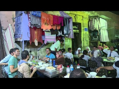 In shabby backstreets, diners find real taste of Cairo