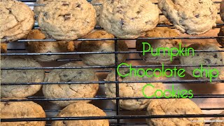 Want to try something other than the classic pumpkin pie? Here's pumpkin chocolate chip cookies 🍪