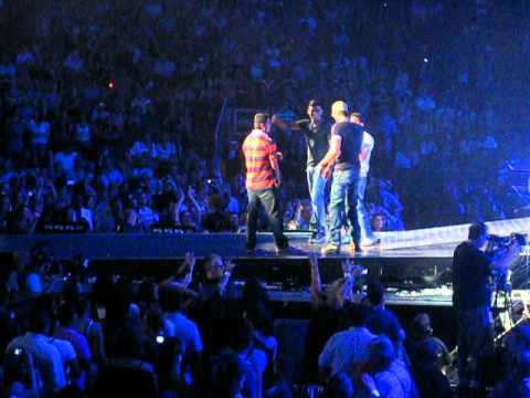 Enrique Iglesias Live - Stand By Me w/ York U Brothers (Toronto, July 18, 2012)