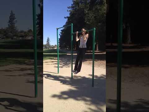 SF Yoga Girl at Outdoor Gym doing Bar Pull Ups