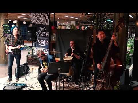 AK-77- Pelkkää Kouvolaa - Live@Cafe Damascus