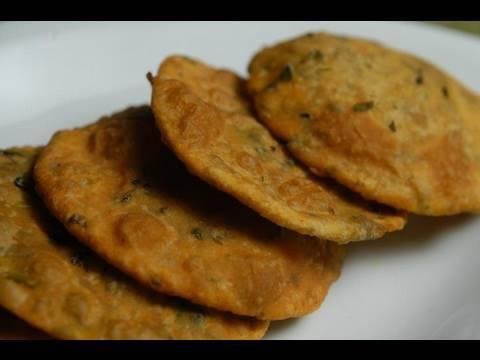 Methi puri fenugreek recipe by master chef sanjeev kapoor youtube forumfinder Choice Image