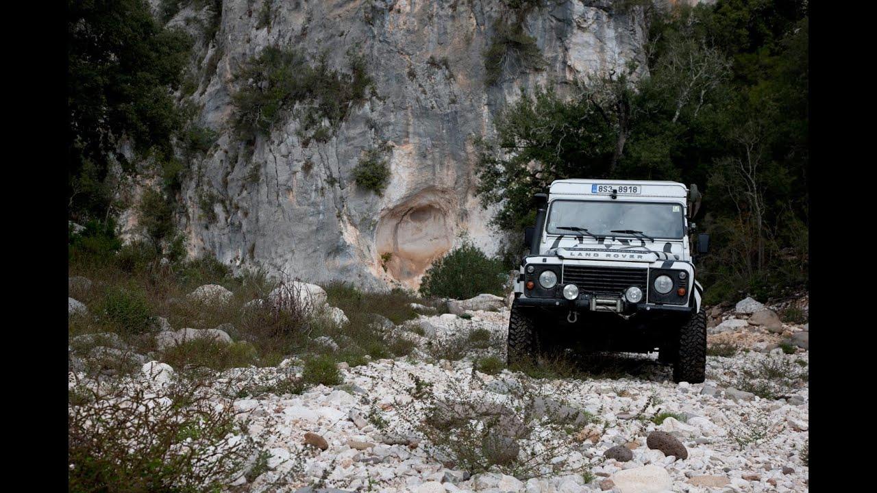 Land rover defender offroad drive sardinia 2014