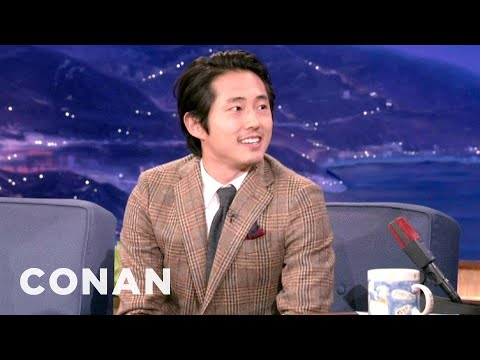 Steven Yeun's Crotch Tick Attack - YouTube