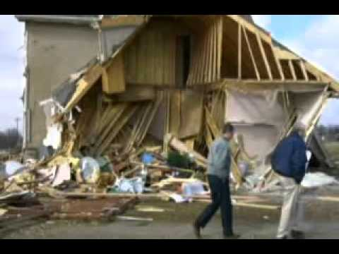 Lafayette Tennessee Tornado Macon County Destroyed Lives