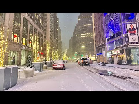 ⁴ᴷ⁶⁰ Walking During New York City's Major Snowstorm at 7 AM (December 17, 2020)