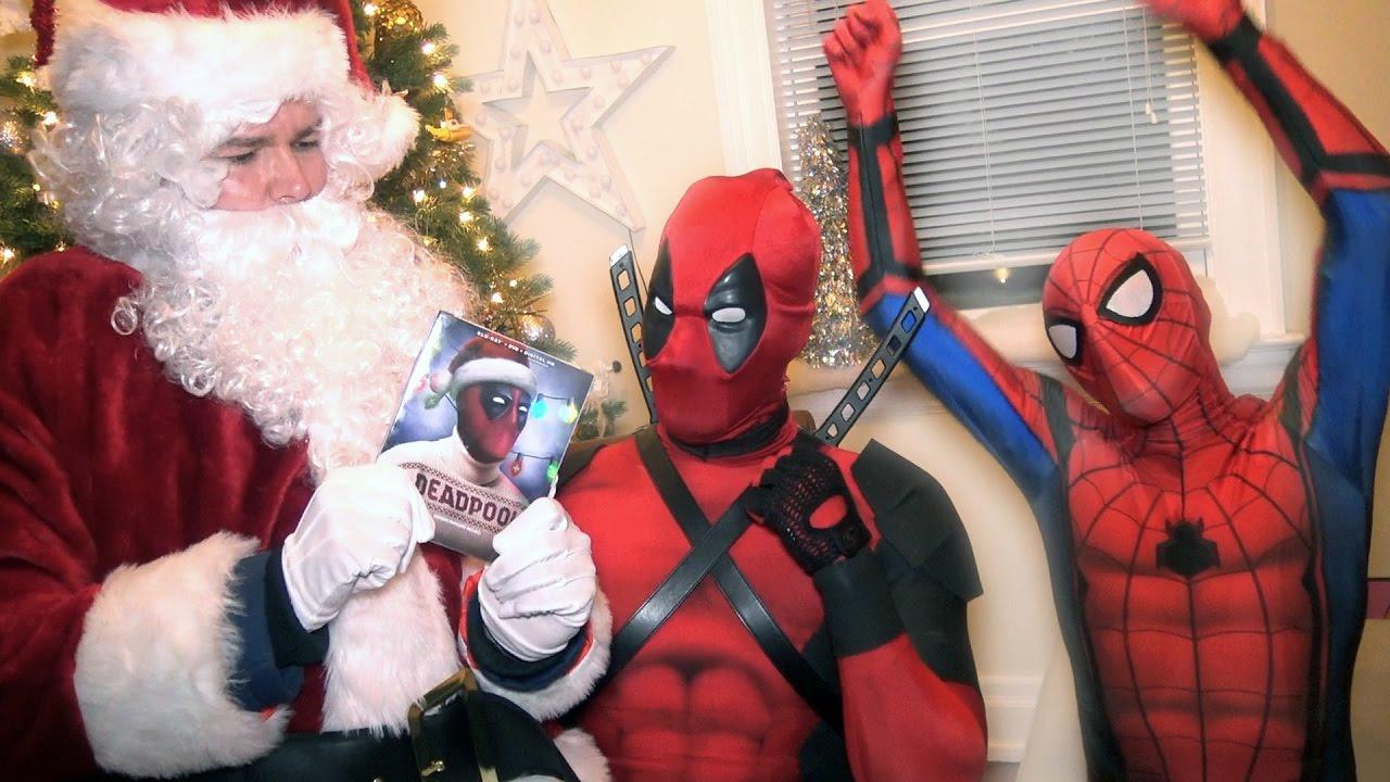 Spiderman Christmas.Spider Man Santa Claus Vs Deadpool Christmas Battle