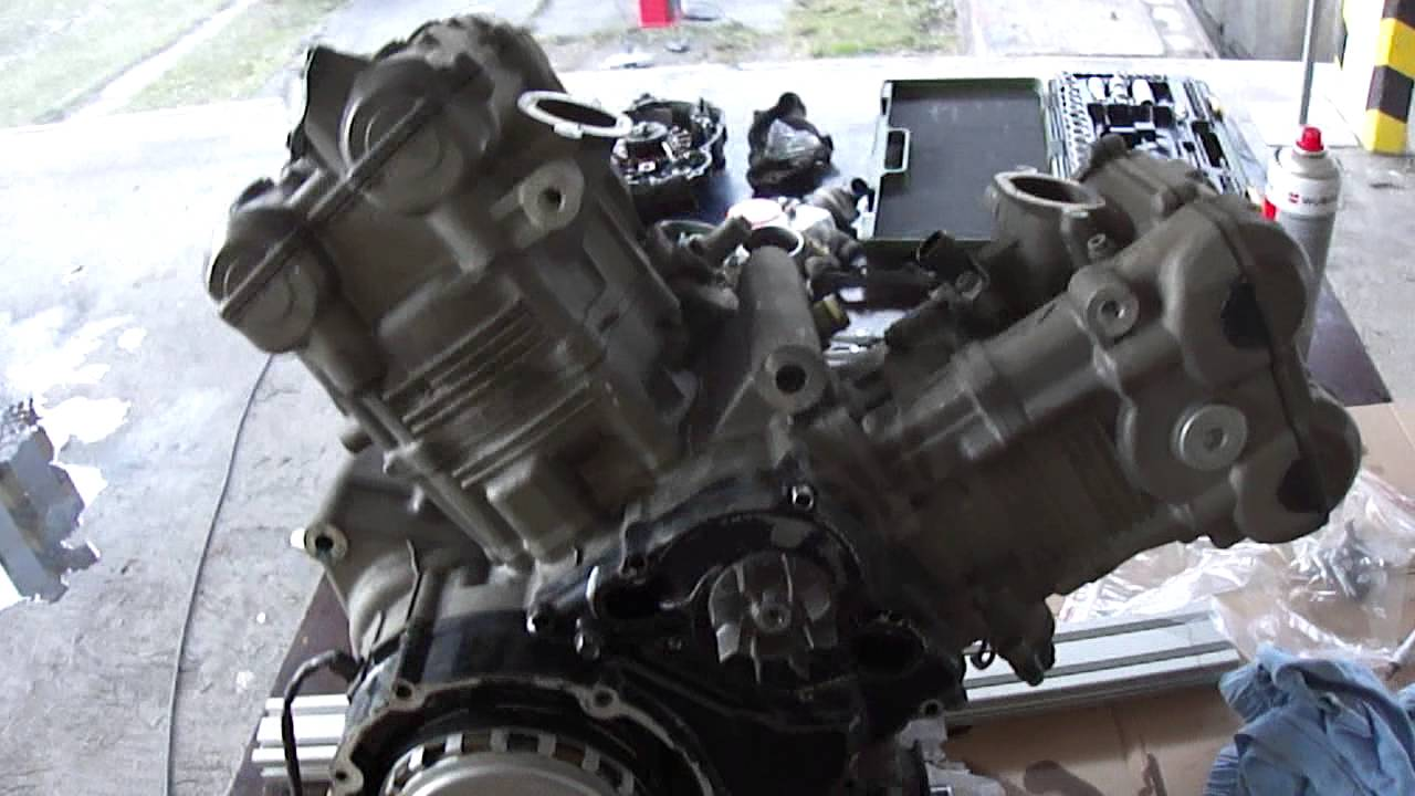 Tl1000s Motor Na Stole 1 Youtube