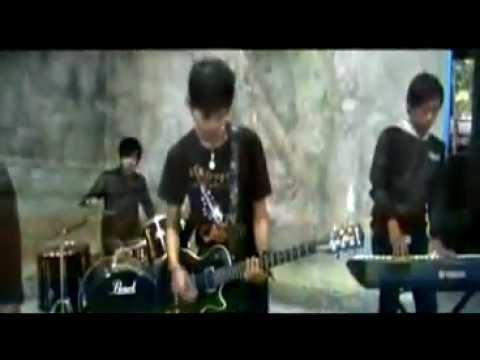 Ornito band - Segala Bayangmu ( Official Video )