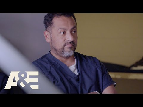 60 Days In: Bonus - Johnny Is Wary of His Cellmate (Season 4, Episode 10) | A&E