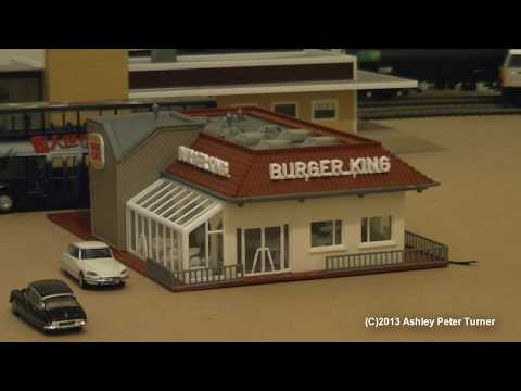 Vollmer 3632 HO Scale Burger King Model Building Kit Review & Showcase HD