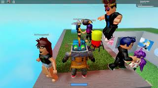 ROBLOX SHARKBITE et HORRIFIC HOUSING avec SkyPlays 878!