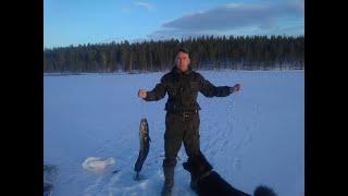 В ТАЙГУ НА ТРОЕ СУТОК Часть 2 Рыбалка Изба Быт