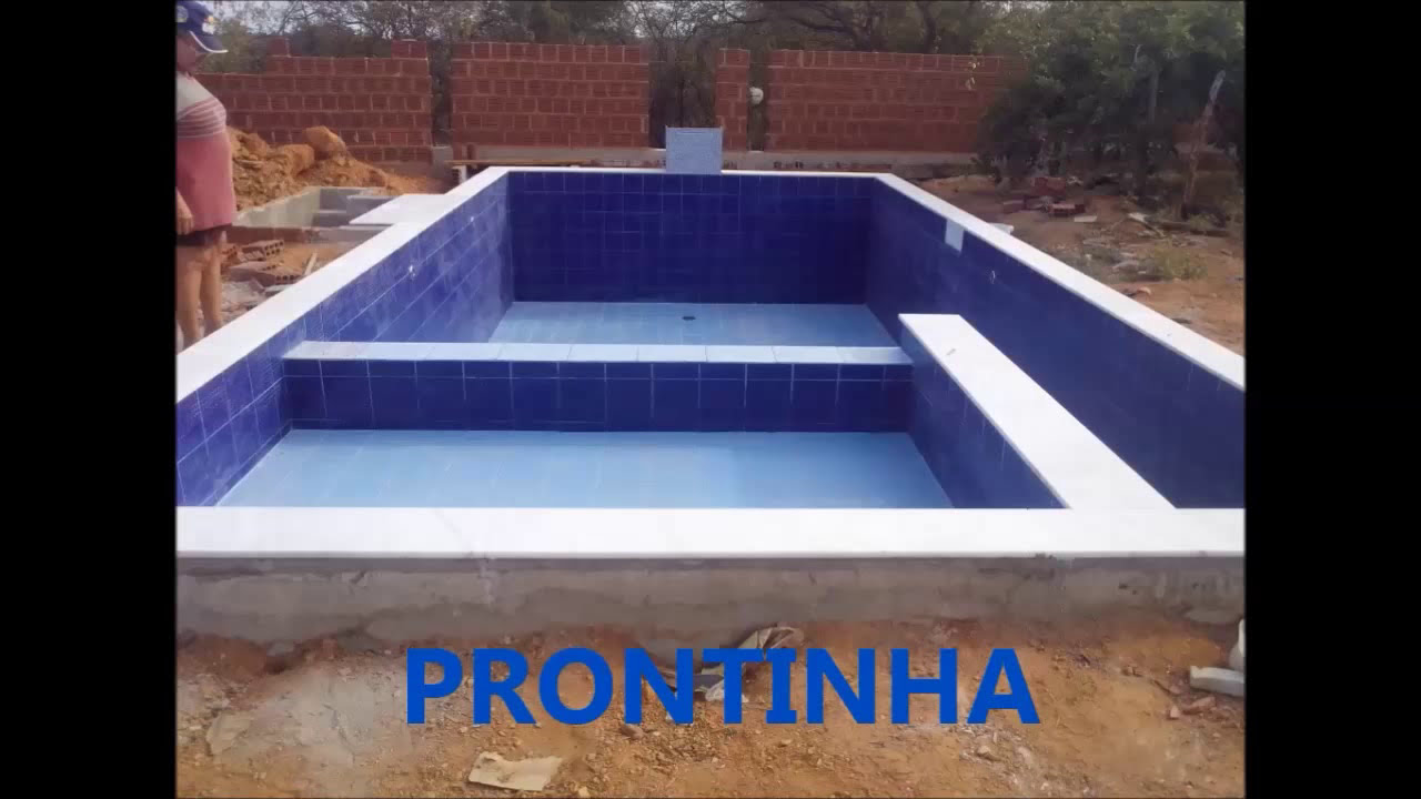 Construindo piscina de alvenaria youtube for Como construir una piscina barata