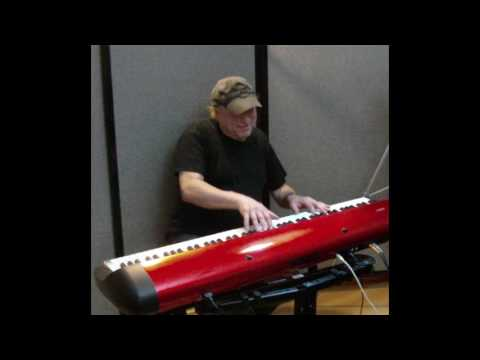 "Learn to play ""Hey Jude"" (Beatles) on piano!"