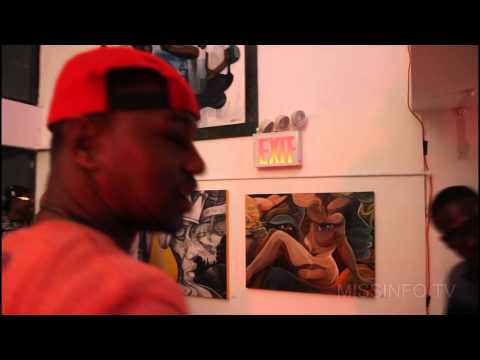 Cam'ron Gives Miss Info a quick tour of Dame's Poppington Gallery