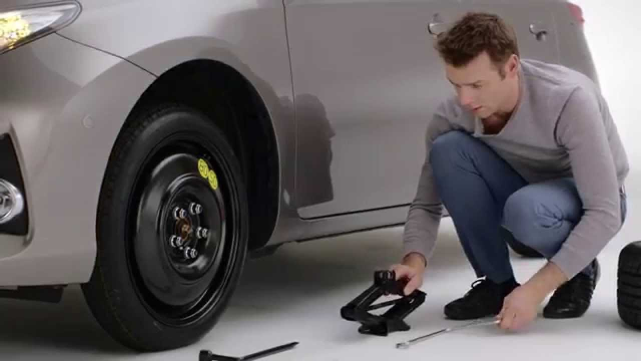 how to change a tire on a qashqai 2017 youtube