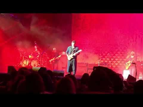 """John Mayer Performs """"Slow Dancing In A Burning Room"""" at Bourbon & Beyond - Louisville KY"""