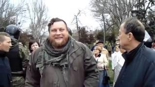 In Ukraine fascism. Скачущее нацистское быдло в Одессе уничтожает мемориал - апрель 2016.(The video shows how the Ukrainian Nazis bullied the inhabitants of the city of Odessa and the memory of those killed in the house of Trade Unions on 2 May., 2016-04-29T15:55:14.000Z)