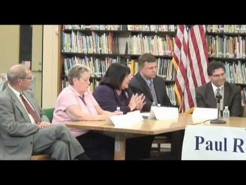 U.S. Secretary of Education Arne Duncan visits Beachmont Veterans Memorial School in Revere