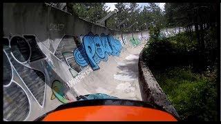 Utazunk! Lezúztunk az elhagyott szarajevói bobpályán
