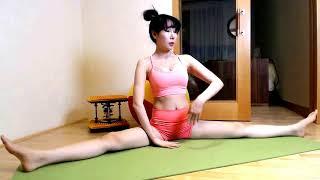 Download Video Gái xinh tập Yoga khoe MU cực chất MP3 3GP MP4
