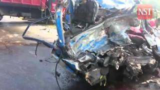 6 killed in van-lorry collision in Senai