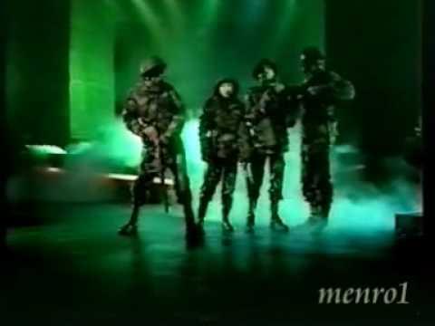 Kate Bush - Army Dreamers ( Dutch tv )