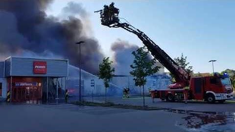 Supermarktbrand in Greifswald/ Rewe und Penny in Flammen