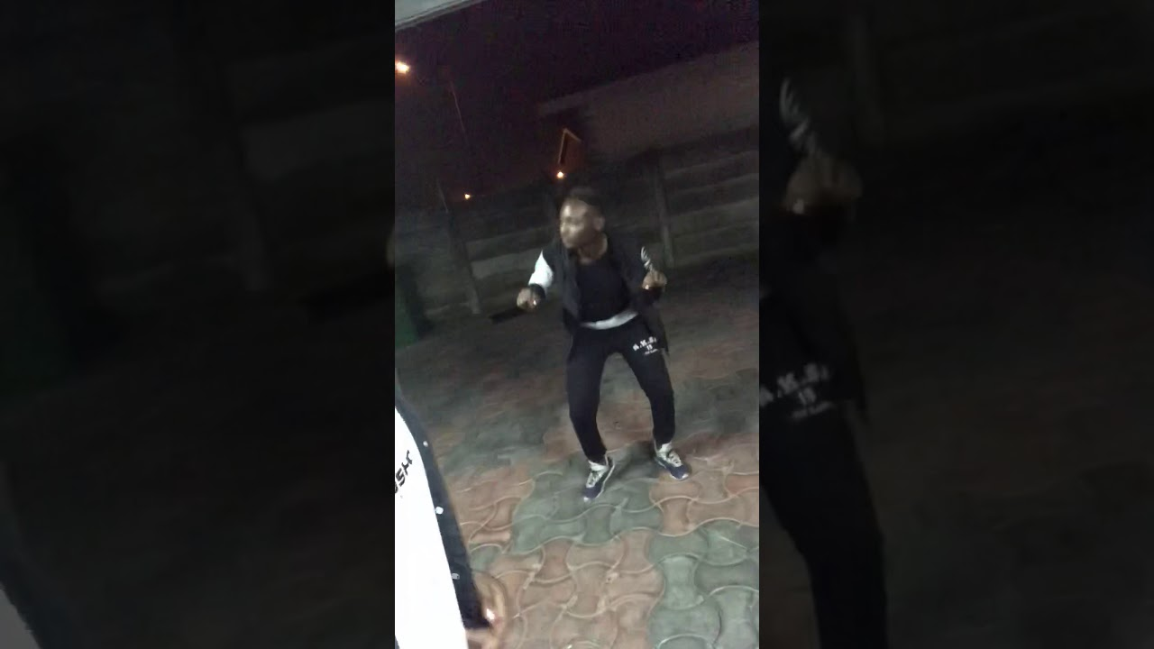 MJOVO WABANTWANA DOING THE LIL MAPIANO DANCE