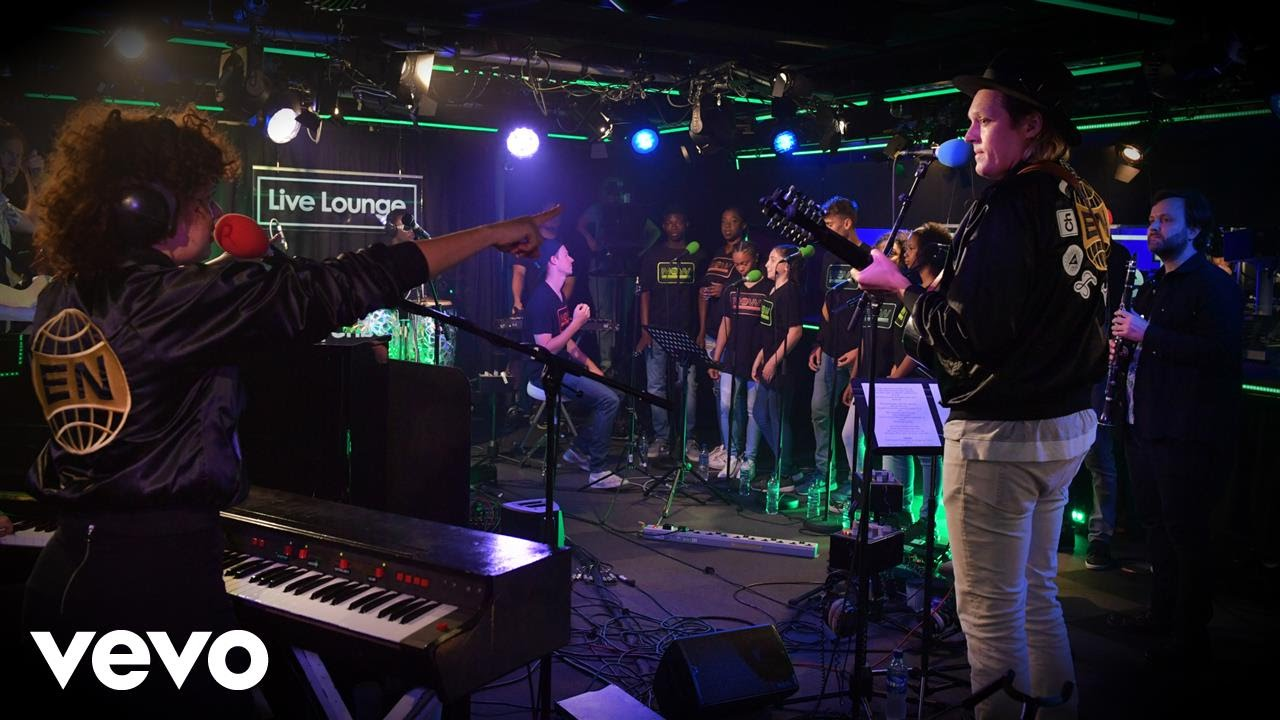 arcade-fire-green-light-lorde-cover-in-the-live-lounge-bbcradio1vevo
