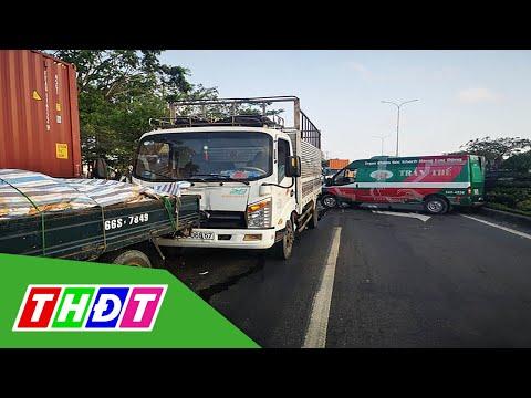 Va chạm giao thông liên hoàn giữa 5 xe ô tô | THDT