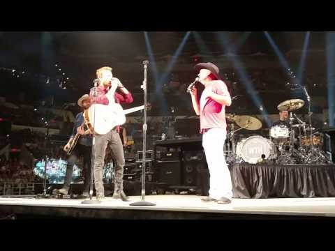 Kevin Fowler plays 100% Texan with Dierks Bentley