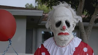 Download The Bizarre Story Behind a Terrifying Clown Named Wrinkles Mp3 and Videos