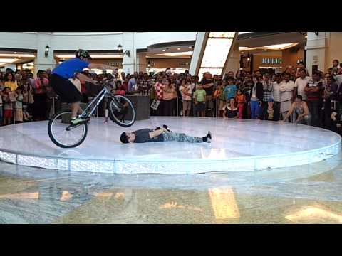 Cycling Stunts @ Emirates Mall - Dubai - Part 2