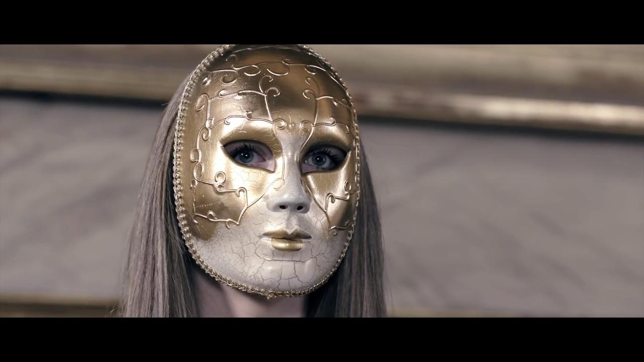 oxia-domino-rework-edit-official-video-sapiens