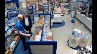 Правльное видеонаблюдение в магазине от www.simple-video.ru Axis Купольная мегапиксельная IP камера(, 2013-09-03T09:52:21.000Z)