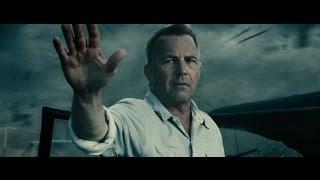 Смерть отца Супермена во время торнадо.Человек из стали.2013.