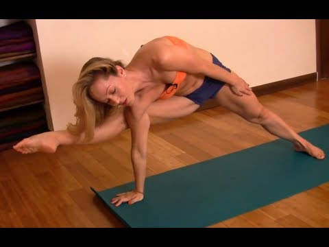 Yoga Arm Balance with Kino : Visvamitrasana from Ashtanga Yoga