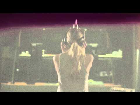 "The Story Behind ""Looking At Stars"" by Kelsea Ballerini"