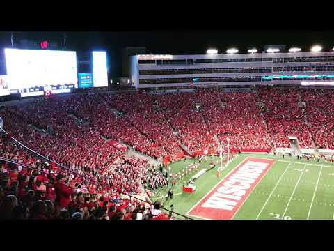 "UW-Madison fans sing ""Build me up, Buttercup"" at Camp Randall"
