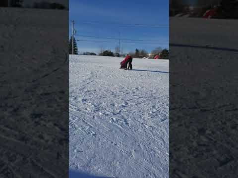 How to learn ski for kids? My kid's ski instructor in 1st ski lesson