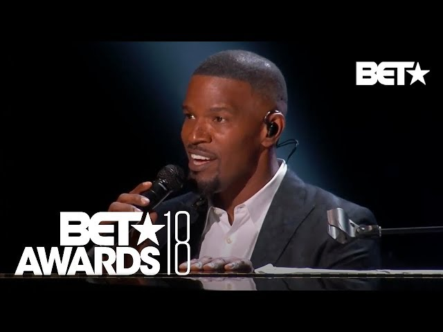 Jamie Foxx Tributes Anita Baker By Singing Some Of Her Classics! | BET Awards 2018