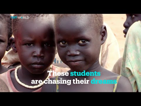 A makeshift school for internally displaced students of South Sudan