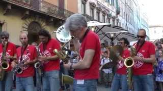 UMBRIA JAZZ ® 13  FUNK OFF marching band - HD